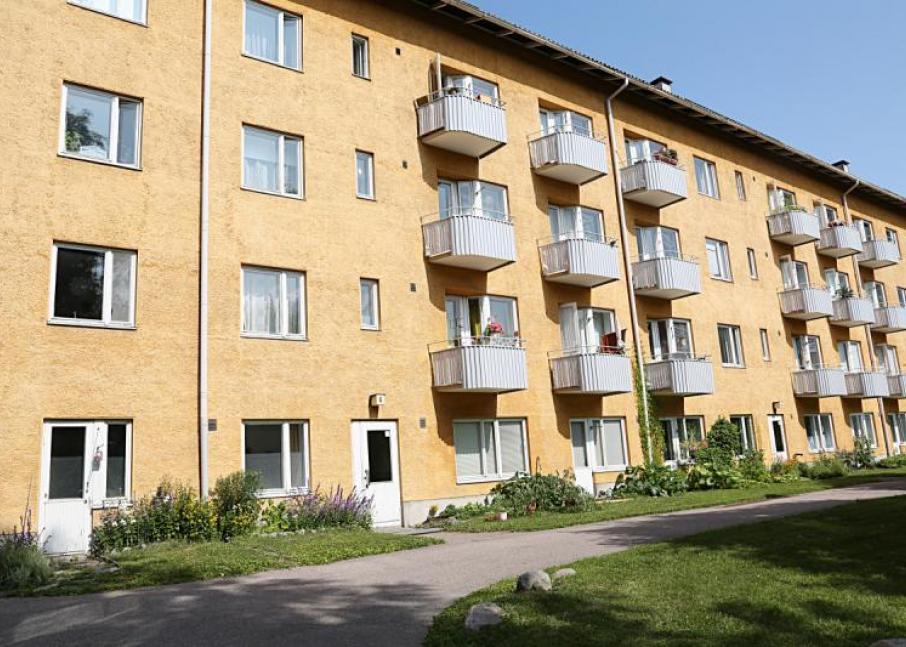 Kuvassa Hekan kiinteistö Käpylässä osoitteissa Pohjolankatu 47 ja Käpyläntie 12.
