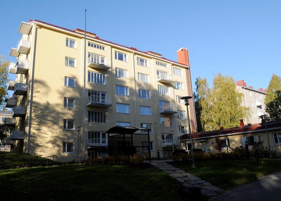 Kuvassa Hekan kiinteistö Munkkiniemessä osoitteessa Huopalahdentie 5.