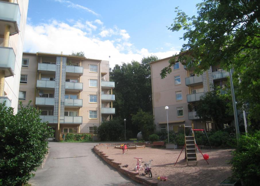 Hekan kiinteistö Munkkiniemessä osoitteessa Rakuunantie 15.