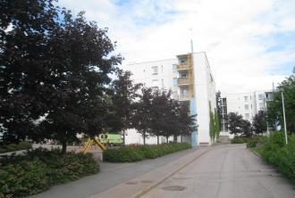 Kuvassa Hekan kiinteistö Etelä-Haagassa osoitteessa Hellemäenpolku 8.