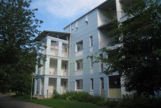 Kuvassa Hekan kiinteistö Pikku Huopalahdessa osoitteessa Kytösuonpolku 1.