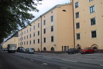 Kuvassa Hekan kiinteistö Vallilassa osoitteessa Mäkelänkatu 37-43.